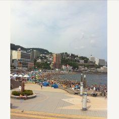 [熱海*2010/08/15]    熱海のビーチ    泳いでないぉ。。。    眺めただけ〜ヽ(;▽;)ノ      @熱海