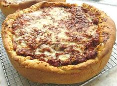 Possibly authentic (though maybe not) Chicago-style stuffed pizza : King Arthur Flour – Baking Banter Pizza King, Chicago Style Pizza, Deep Dish Pizza Recipe, King Arthur Flour, Desert Recipes, International Recipes, Pizza Recipes, Food Dishes, Italian Recipes