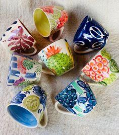Pottery Mugs, Pottery Bowls, Ceramic Pottery, Pottery Art, Ceramic Art, Crackpot Café, Clay Crafts, Arts And Crafts, Pottery Videos