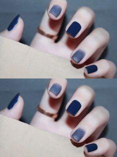 Blue nail dream, Granulated sugar + navy blue, with white hand, pretty advanced color Gel Nails, Acrylic Nails, Nail Polish, Classy Nails, Stylish Nails, Navy Nails, Korean Nail Art, Cute Nail Art Designs, Minimalist Nails