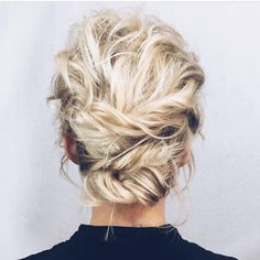 🙌🏼 Tutorial for this in linked in her bio! ✨ look created by ✨ Twisted Updo, Braided Updo, Wedding Hairstyles, Cool Hairstyles, 23 November, Hair Photo, Hair Art, Updos, Curly Hair Styles