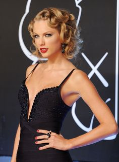 And lucky for us, the look is easy to do at home! | How To Do Your Hair Like Taylor Swift At The VMAs