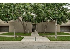 Lease of the Week: Lionel Morrison-Designed Travis Street Townhome Offered For $9K...