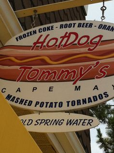 Hot Dog Tommy's Cape May - one of my favorite places to eat !
