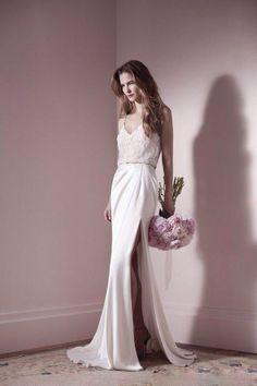 Gorgeous dress & pretty flowers