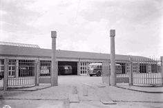De Zuid-Ooster garage aan de De Genestetlaan in 1954