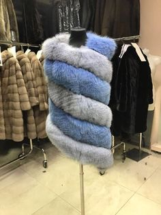 Fur Clothing, Clothing Styles, Mink Jacket, Fall Outfits, Fashion Outfits, Fabulous Furs, Faux Fur Vests, Long Shorts, Autumn Fashion