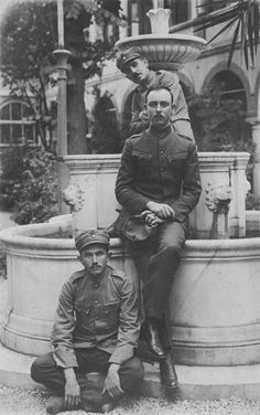 Greece History, Greek Soldier, In Ancient Times, Military History, Old Photos, Art History, Istanbul, The Past, Old Things