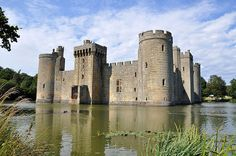 BODIAM CASTLE, ENGLAND - Image Credit: Gabrielle Ludlow, Flickr // CC BY-NC-ND 2.0, Provided by Mental Floss
