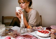Coffee, cake and eyeliner