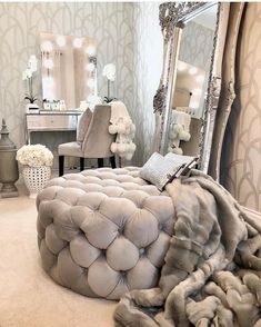 Popular 33 Home Interior Design Ideas On A Budget Visit this living room photo galleries below to find ideas that you can imitate or use these living … Girl Bedroom Designs, Room Ideas Bedroom, Home Bedroom, Glam Master Bedroom, Bedroom Interiors, Queen Bedroom, Glam Room, Bedroom Decor Glam, Cute Room Decor