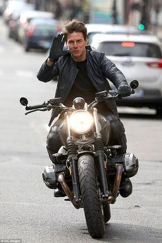 Tom in Leather Jacket : Tom Cruise in Leather Jacket. Nine T Bmw, Arte Pink Floyd, Harley Davidson, Don Corleone, Tony Soprano, Cafe Racer Bikes, Cafe Racers, Zx 10r, Moto Bike