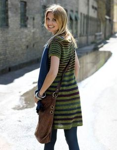 Strik en flot stribet kjole - nu også i str. Knitting Patterns Free, Knit Patterns, Knit Dress, Dress Skirt, Hand Knitted Sweaters, How To Purl Knit, Knitwear, My Style, Womens Fashion