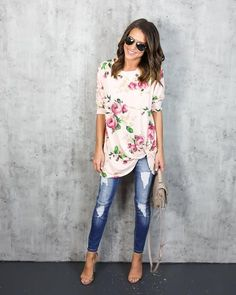 Hair Trends & Tutorials : Our Kimmie Floral Knot Top is adorable in blush with rose florals throughout. Th