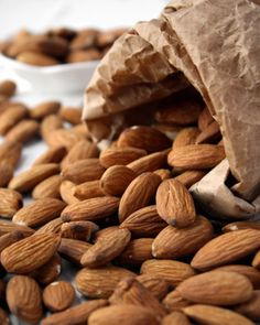 Almond Oil - 25 Ways to Tighten Skin after Weight Loss … → Diet Health Benefits Of Almonds, Almond Benefits, Almonds Nutrition, Healthy Skin, Healthy Snacks, Healthy Eating, Healthy Recipes, Happy Healthy, Almond Recipes