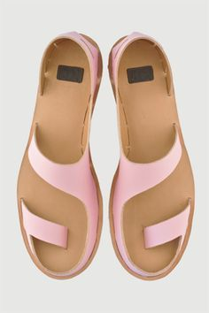2012 Project: Mondriaan by Anna Korshun Leather Sandals, Shoes Sandals, Fashion Shoes, Fashion Accessories, Free Shoes, Mode Inspiration, Beautiful Shoes, Beautiful Pictures, Summer Shoes