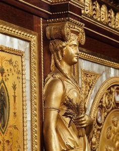 LES LIAISONS DE MARIE ANTOINETTE | Serre-bijoux de la reine Marie-Antoinette…