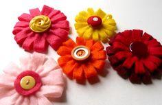Mariages Rétro: Fleurs de feutrine pour déco et accessoires - 2