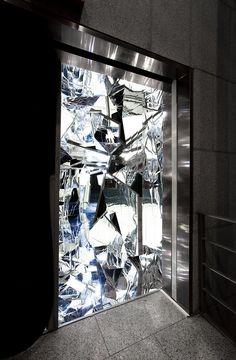 Lee Bul Exhibition at Ikon Gallery Fashion Installation, Installation Art, Mirror Room, Mirror Mirror, Safia Nolin, Lift Foils, Cut Glass, Glass Art, Sculpture Art