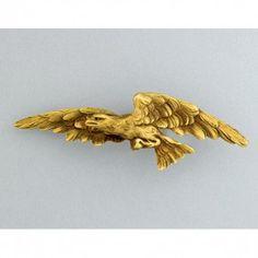 SCULPTED GOLD EAGLE BROOCH, attrib. Gustav Manz