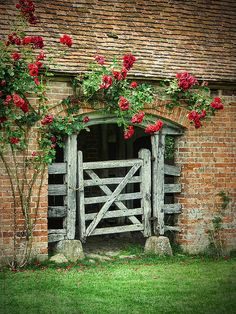That's cute. I think the gate would dry rot but I love the flowers