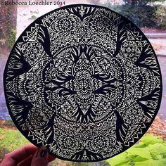 Dessin circulaire papier découpé par RebeccaLoechlerArt sur Etsy