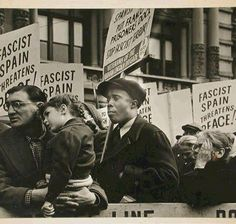 Demonstration in favour of the Spanish Republic. New York 1936.