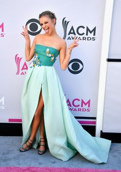 LAS VEGAS, NV - APRIL 02:  Recording artist Kelsea Ballerini attends the 52nd Academy Of Country Music Awards at Toshiba Plaza on April 2, 2017 in Las Vegas, Nevada.  (Photo by Frazer Harrison/Getty Images) via @AOL_Lifestyle Read more: https://www.aol.com/article/entertainment/2017/04/02/acm-awards-2017-red-carpet-arrivals/22022806/?a_dgi=aolshare_pinterest#fullscreen