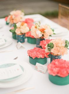 Coral .teal. peach. Photography: Jada Poon Photography - jadapoonphotography.com