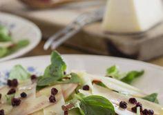 Ensalada de queso Manchego con vinagreta de arándano rojo