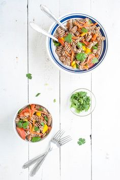 Pasta salad with red curry