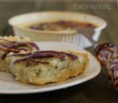 La ricetta di una torta salata preparata con la pasta brisée di Michel Roux, con uno squisito ripieno di baccalà mantecato e guarnita con cipolla di Tropea