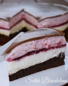 Egy díjnyertes recept: Ilyen tortát nem kapsz a cukrászdákban! Summer Desserts, Sweet Desserts, Sweet Recipes, Baking Recipes, Cake Recipes, Dessert Recipes, Chocolate Yogurt Cake, Raspberry Chocolate, Hungarian Desserts