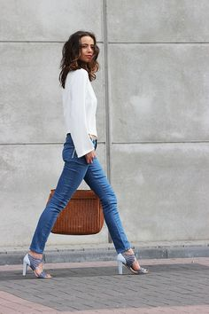 —basics + heel:   ||  Follow Rita and Phill for more images the-white-blouse.  https://www.pinterest.com/ritaandphill/the-white-blouse/