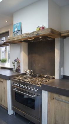 Best Keuken Design Ideen Inspiratie En Fotos Kitchen images posted by Marcellus Barrows on September 2017 , , Concrete Kitchen, Kitchen Remodel, Kitchen Decor, Modern Kitchen, Kitchen Decor Modern, New Kitchen, Home Kitchens, Rustic Kitchen, Kitchen Design
