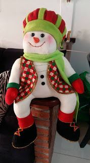 MANUALIDADES: MUÑECO NIEVE SENTADO Christmas Art, Xmas, Snowman Crafts, Fabric Dolls, Elf On The Shelf, Nativity, Craft Projects, Santa, Holiday Decor