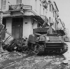 Sherman tanks and troops from (Scots) Parachute Battalion, Parachute Brigade, during operations against members of ELAS in Athens, 18 December 1944 ~ Greece History, British Armed Forces, Sherman Tank, Pearl Harbor Attack, Ww2 Photos, Armored Fighting Vehicle, Army Vehicles, Ww2 Tanks, Military Diorama