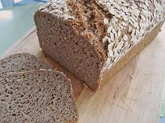 Saftiges Vollkornbrot Juicy wholegrain bread (recipe with picture) from egghead Easy Pudding Recipes, Easy Bread Recipes, Donut Recipes, Wholemeal Bread Recipe, Cinnamon Bread, Bread Machine Recipes, Meatloaf Recipes, Bread Baking, Banana Bread