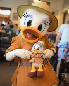 Disney Dream, Cute Disney, Disney Mickey, Disney Parks, Disney Pixar, Walt Disney, Mickey Mouse, Disneyland Photography, Disney Characters Costumes