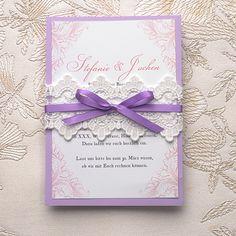 Faire part de mariage violet romantique avec pochette en dentelle JM708 A partir de 1.70€ faire part de mariage pas cher, sur mesure - joyeuxmariage.fr