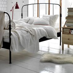 Living Large- Lillesand Wrought Iron Bed From Ikea Cama Industrial, Industrial Bedroom Design, Industrial Style, Industrial Vintage, Cosy Bedroom, Bedroom Decor, Bedroom Ideas, Bedroom Inspiration, Ikea Bedroom