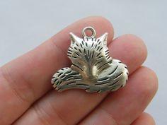 4 Fox charms antique silver tone A281