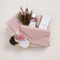 Discover our unique curated gifts, luxury gift boxes and premium gift baskets for her. Our women's gifts include the finest in apothecary, home, custom gift boxes, curated gift baskets and more. Cute Gifts, Diy Gifts, Best Gifts, Party Gifts, Gifts For Wife, Gifts For Friends, Gifts In A Box, Wife Gift Ideas, Gift Box For Men