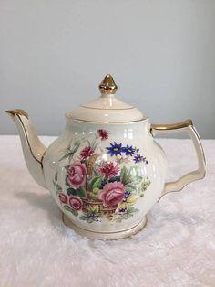 Sadler Rose vintage tea pot Very good vintage condition, no chip or crack