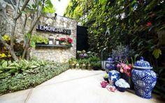 entrée principale du restaurant design Lemongrass à Bogor en Indonésie