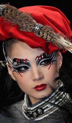 China fashion week, unique makeup~