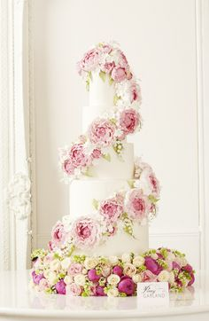 2013_01_30 Peggy Porschen_Floral wedding cake collection_Peony13135