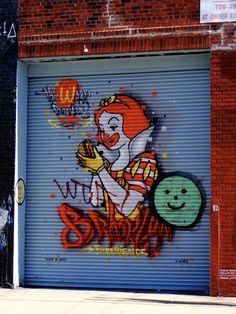 Blanche-Neige ne mange plus de pommes.... / Street Art. / Bushwick, Brooklyn, New York, USA.