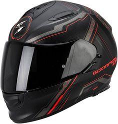 Les accessoires haut-de-gamme répondent aux prétentions Touring du casque