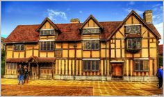 Shakespeare's Birthplace, Henley Street, Stratford Upon Avon. Beautiful Places To Visit, Beautiful World, Great Places, Places Ive Been, Places To Go, Shakespeare's Birthplace, British Literature, Stratford Upon Avon, England Ireland